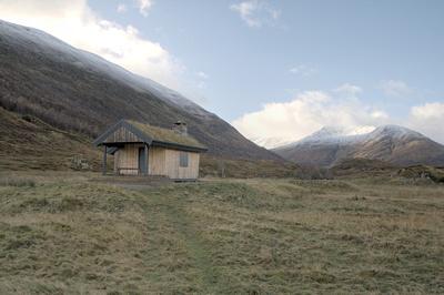 Cabin at Loch Affric