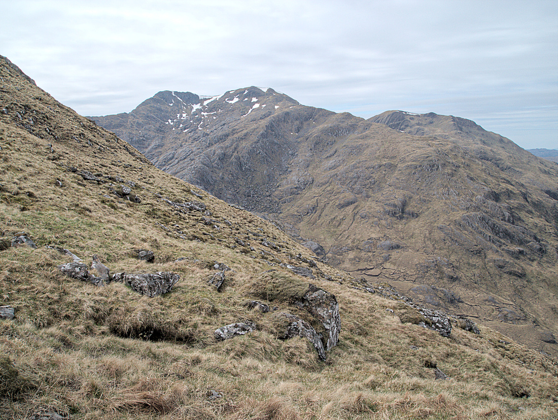 The steep slopes of Luinne bheinn